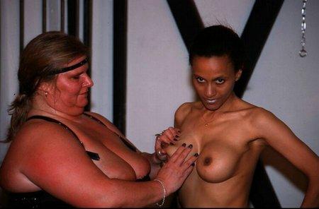 Blackgirl und Puffmutter